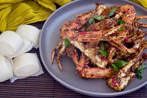 Singapore Chilli Crab & Black Pepper Crab - with canapés