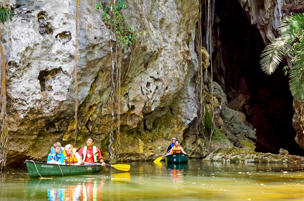 Barton Creek Cave Canoeing ( 3 - 6 Pax)