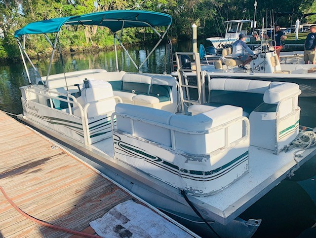Bentley Pontoon Rental