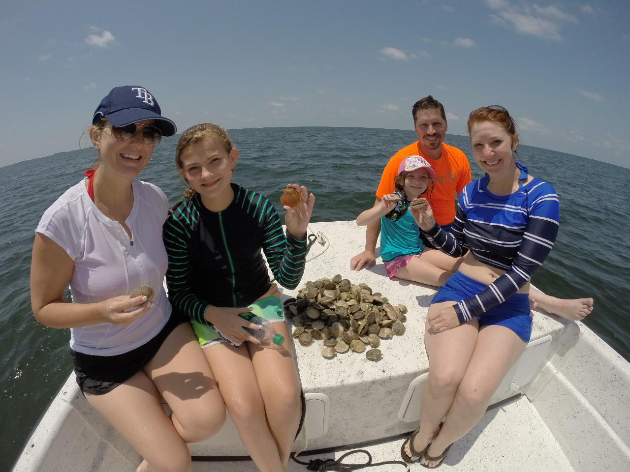 Guided Scalloping in Crystal River with Captain Dallas!