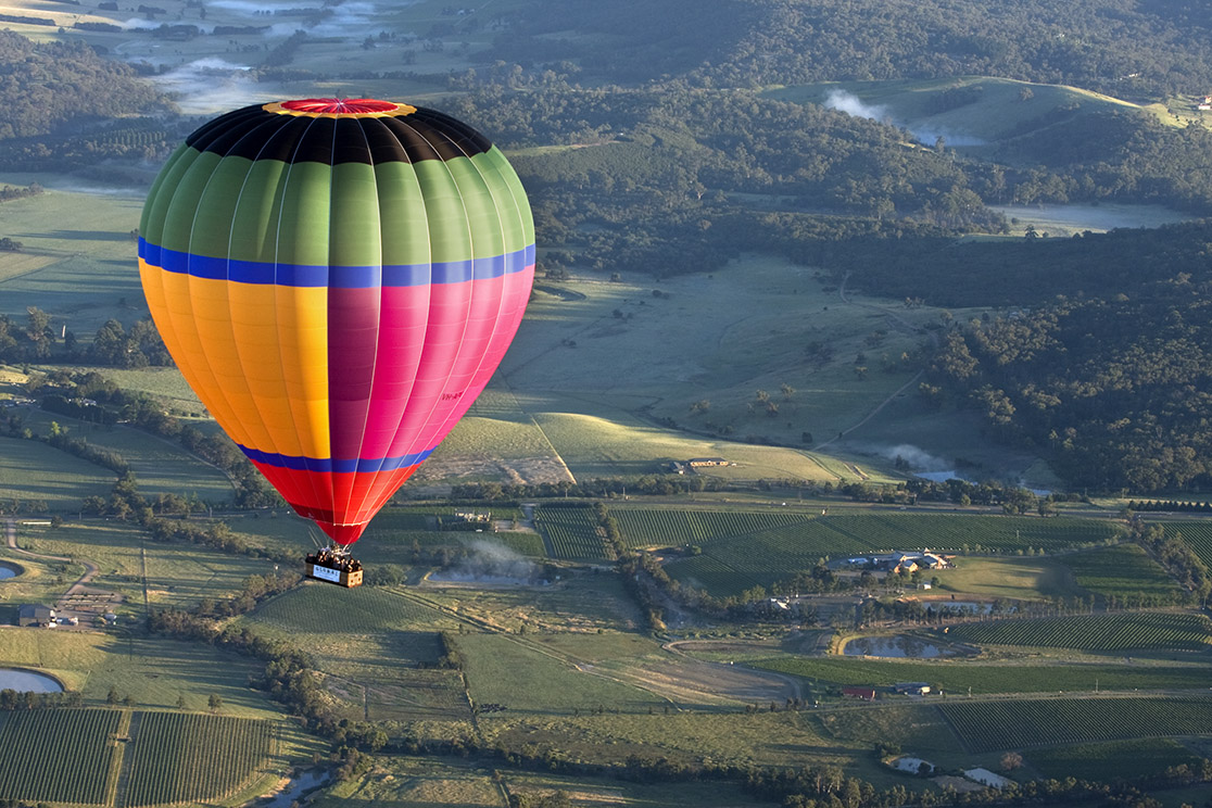 Yarra Valley Overnight Balloon, Wildlife, Wine & Food Tour