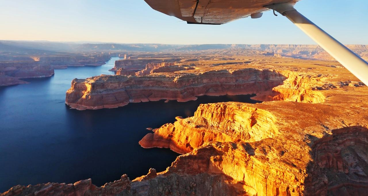 Lake Powell, Monument Valley & Canyonlands National Park Combo Tour