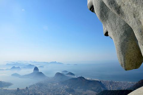 01_Christ_the_Redeemer_and_Rio_de_Janeiro