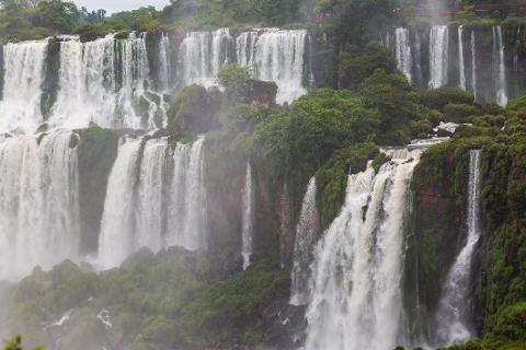 11_Saltos_San_Martin___Mbigua_e_Bernab___Mendez___Parque_Nacional_Iguaz__