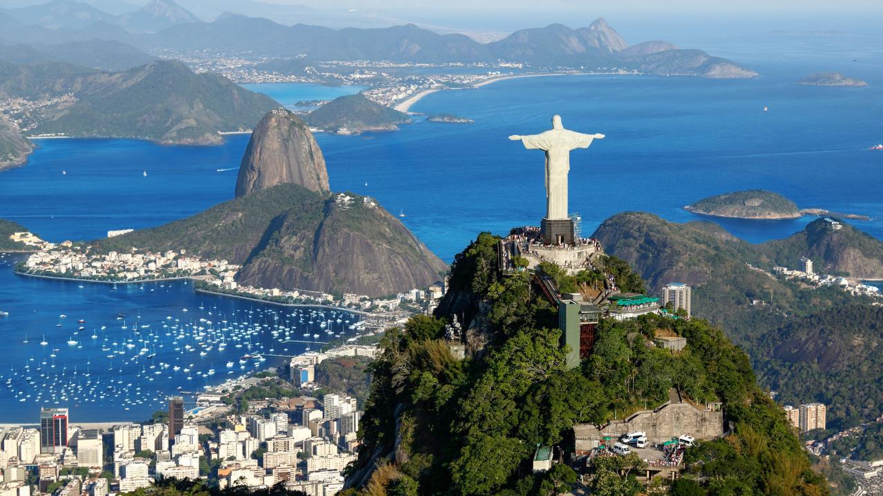 Ein Tag in Rio - Christusstatue, Zuckerhut, Maracanã, Sambadrome, Kathedrale, u. Selarón-Treppe inkl. BBQ