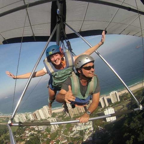 Drachenfliegen - Sprung vom Pedra Bonita Berg