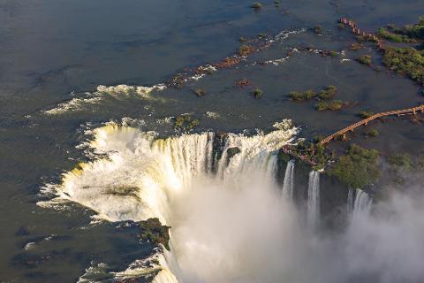 a50ed87e5e2e4b4d94847e9c4beb767a10_Parque_Nacional_Igua__u