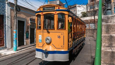 Santa Teresa, Lapa y Cinelândia con Paseo en Tranvía y Escaleras Selarón