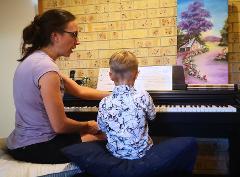 30 min Holiday Piano Lesson