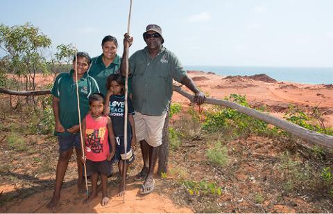 Spear Making / Coastal Adventure Tour with Bundy