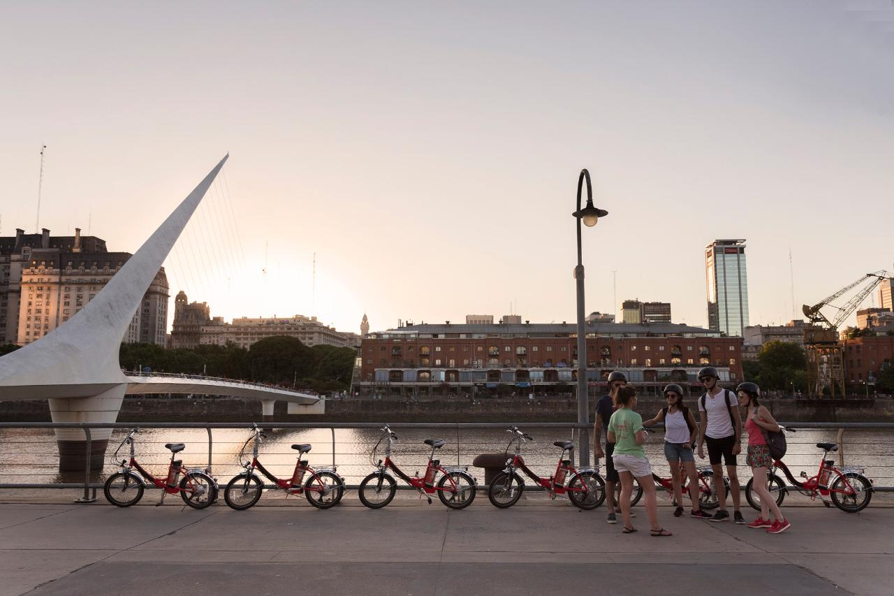 E-Bike n' Wander through Buenos Aires