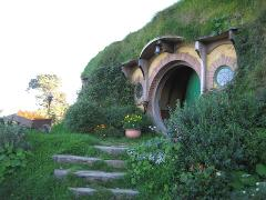 Waitomo Glowworm Caves and Hobbiton Tour from Auckland finish Auckland