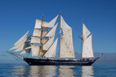 3-hour sail from Bunbury