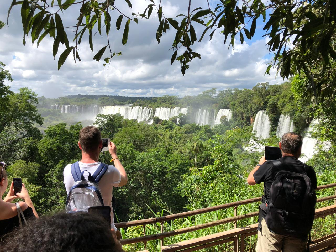FOZ COMBO 2 - Arriving Foz do Iguaçu / Staying in Foz do Iguaçu / Brazilian + Argentine Side of Falls / Departing Foz do Iguaçu