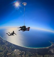 Bond University SPECIAL! Australia's highest skydive