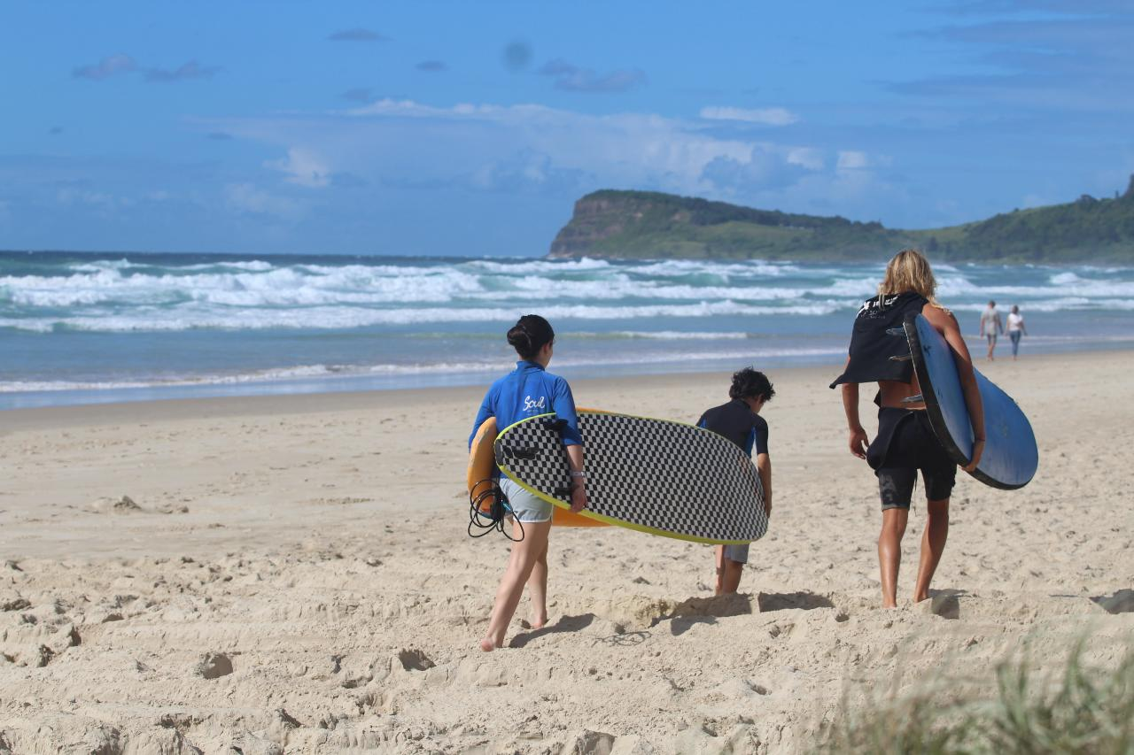 "3 x 3 hour Surf Lessons – ""The Grommet Package"""
