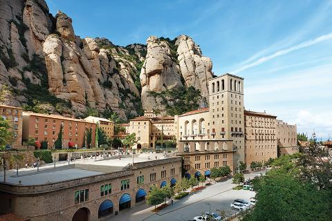 Montserrat and Cava Trail Small Group Day Trip from Barcelona