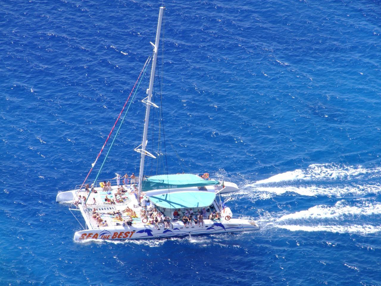 Full Day Cruise to Benagil, Ponta da Piedade and West Coast