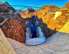 Hoover Dam-Walk On Top Tour W/ Seven Magic Mountains