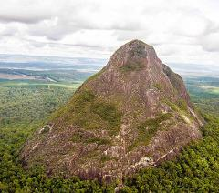 Glass House Mountains - R44 - (3 People)