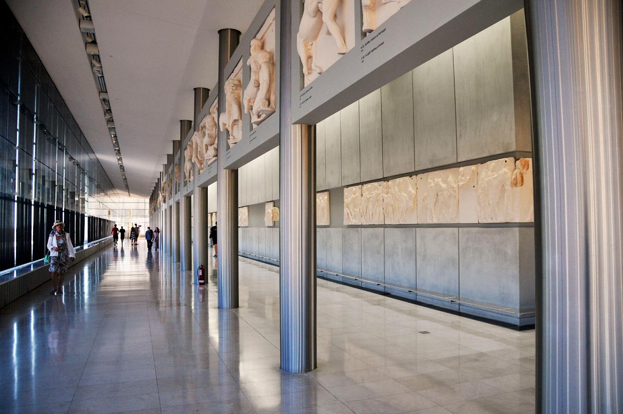 Highlights of the National Archaeological Museum and the Acropolis Museum, with Athens city tour