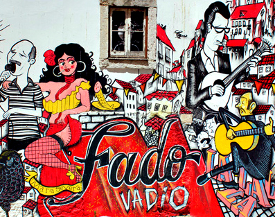 FADO TOUR (1-H SIGHTSEEING + DINNER + LIVE MUSIC ACT)
