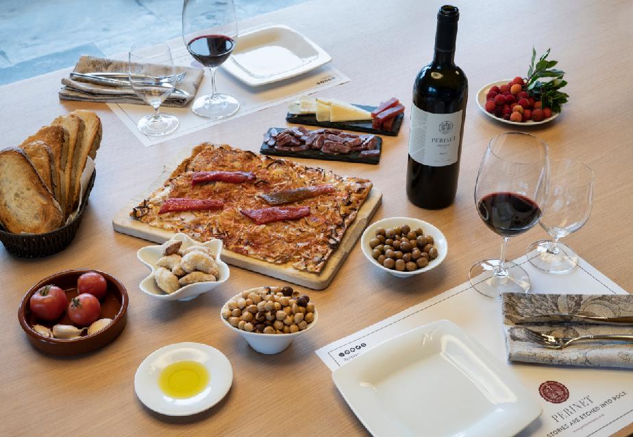 Early riser breakfast/Desayuno entre viñedos/ Esmorzar entre vinyes