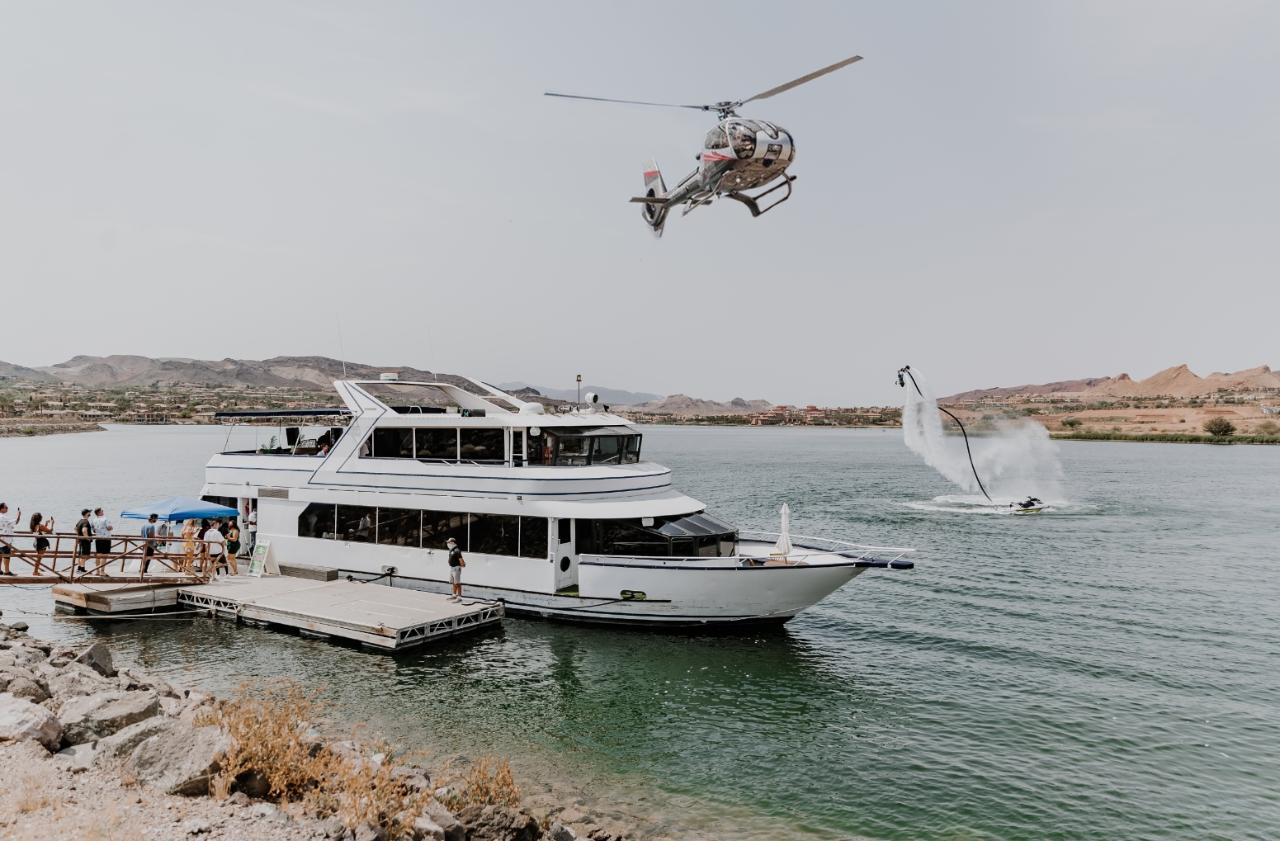 Helicopter Hoover Dam Sunset Tour From Lake Las Vegas With Yacht Transportation and Drinks Included