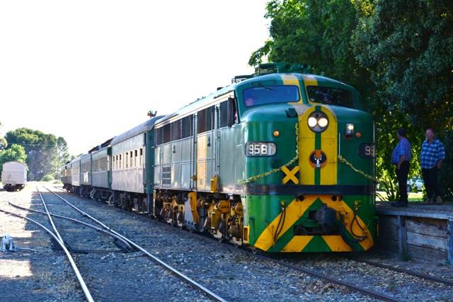 South Coast Wine Train - Summer Season from Adelaide