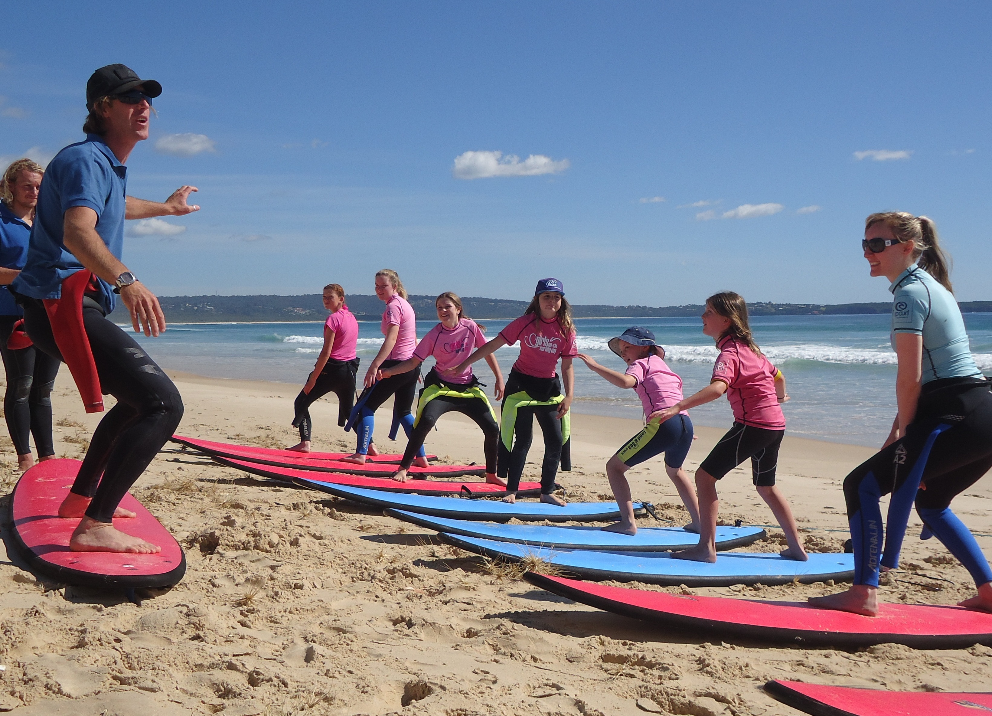 3 Lesson Surf Package ( includes Stand Up Paddle hire Voucher )