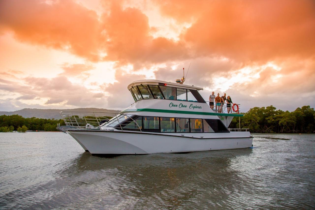Sunset and Stargazing adventure cruise