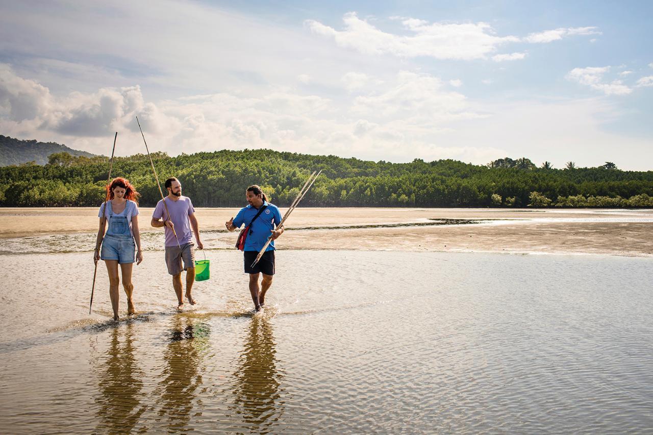 Daintree Dreaming - Traditional Aboriginal Fishing