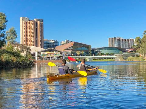 Kayaking the City - An Adventure on The Torrens