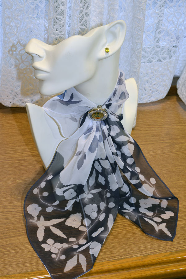 "Experience ""Somemono"": Dye a Scarf with the ""Yama no Sachizome"" Method"