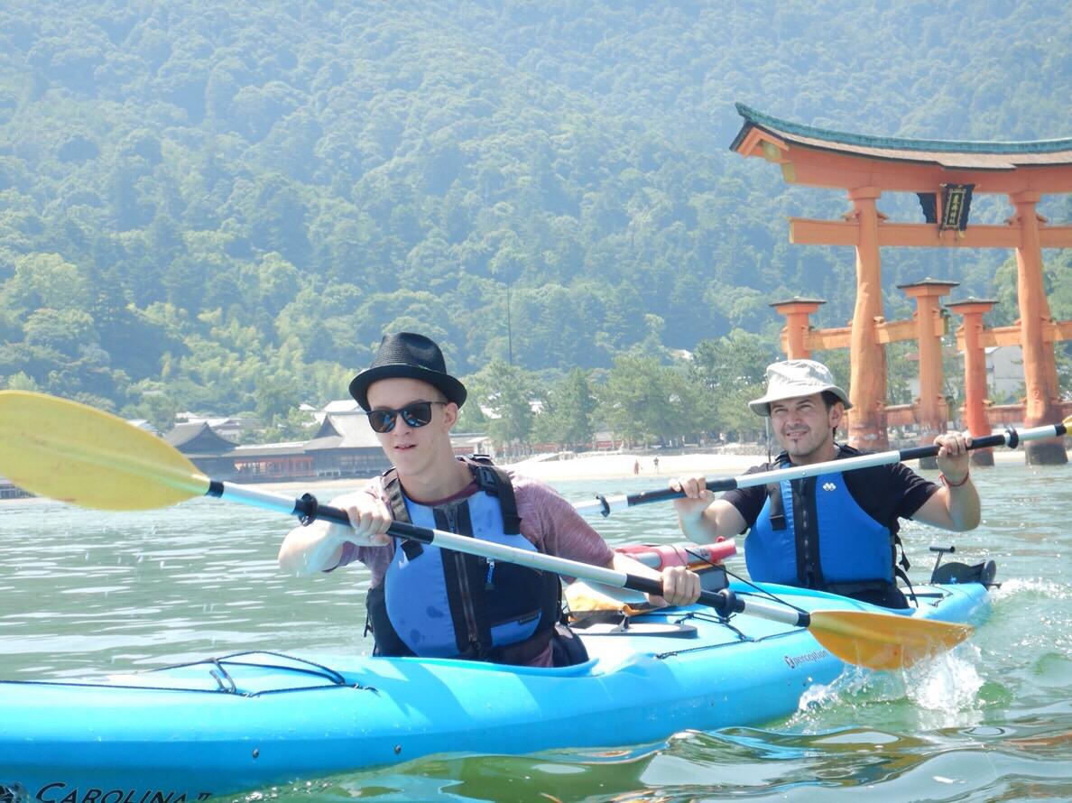 <1時間のお手軽体験>世界遺産・厳島神社を海から楽しむシーカヤックツアー
