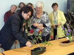 【ICHIYO SCHOOL of IKEBANA】Ikebana plan with your free interpretation / 自由な発想で生ける生け花体験プラン