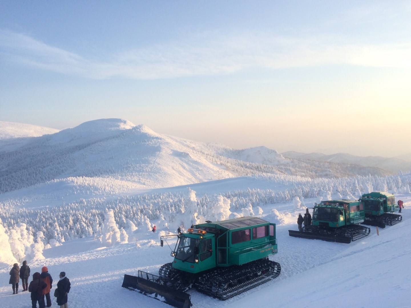 Explore the Ice Monster Forest in Zao!Snow Vehicle Tour to See Juhyo, the Snow Rime