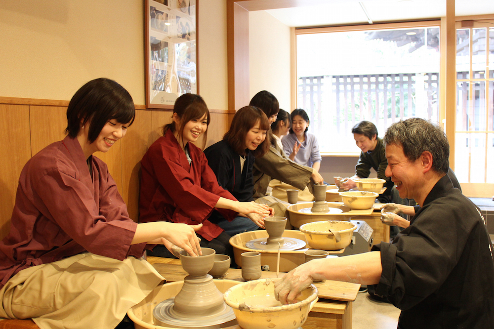 【Kyoto Zuikougama】Electric potter's wheel standard plan (Make your own favorite object)/ 陶芸体験 電動ろくろスタンダードプラン(お好みの器を選んで作れる電動ろくろプラン)