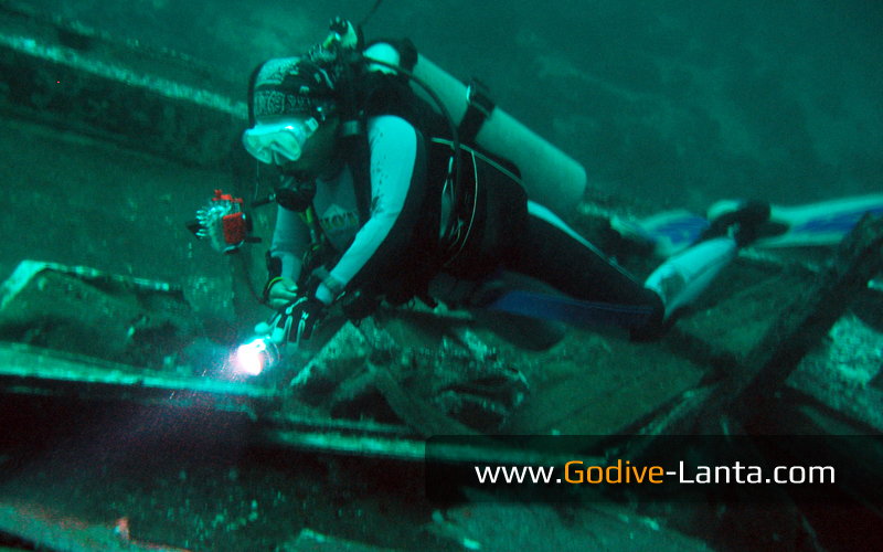 [ Online ] SSI Night & Limited Visibility Course 2 Dives