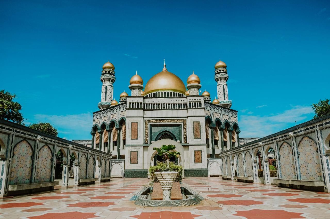 Brunei Essentials Full Day & Water Village