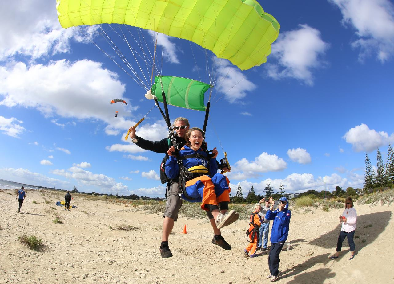 8,000ft Busselton Beach Tandem Skydive