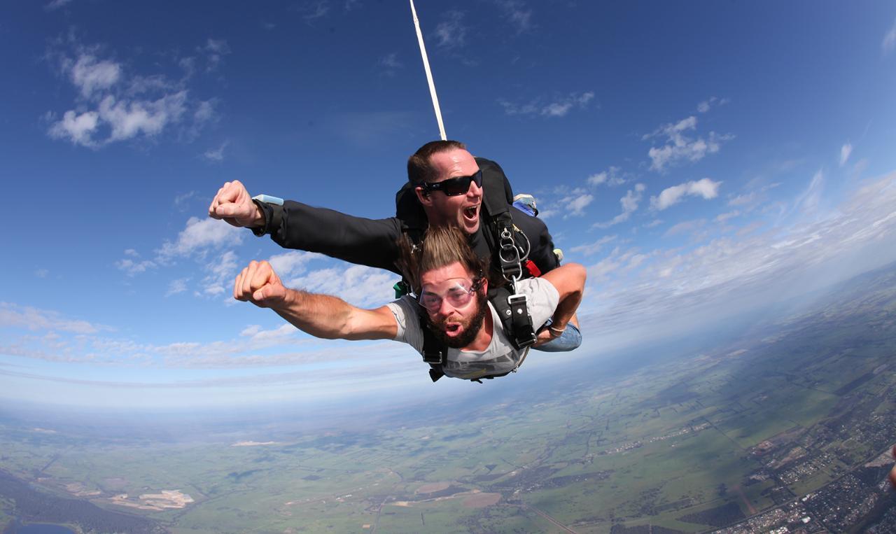 14,000ft Busselton Beach Tandem Skydive *Most Popular*