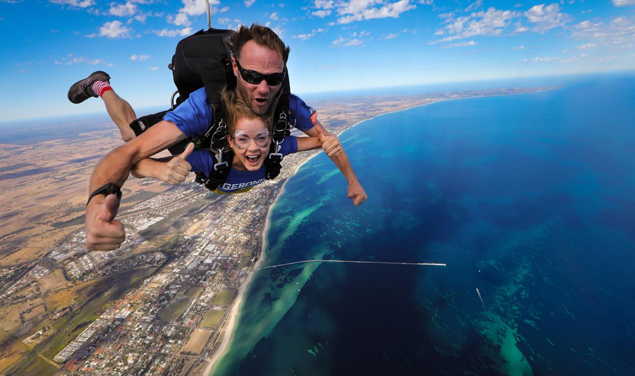 15,000ft Busselton Beach Tandem Skydive - Geronimo Busselton