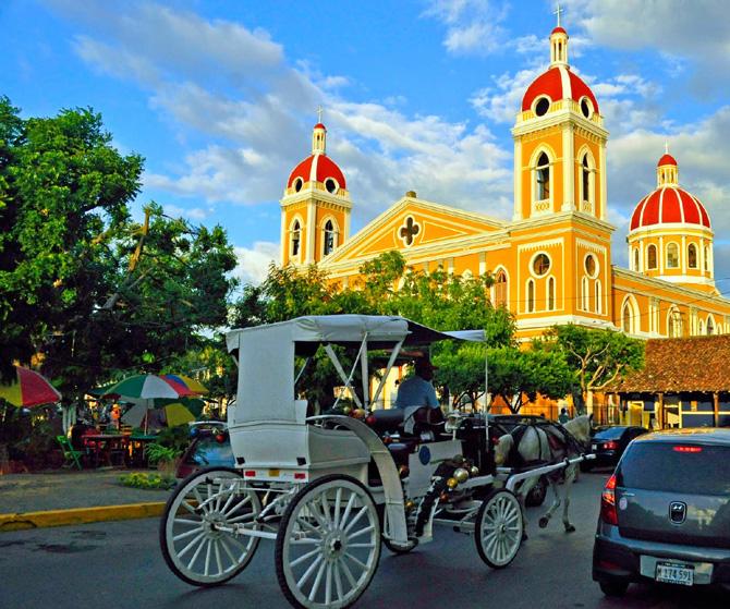 Granada city tour in horse carriage