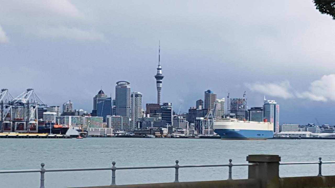 Auckland City to Raglan PRIVATE TRANSFER