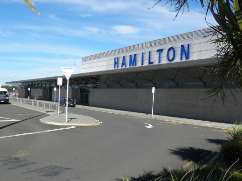 Raglan to Hamilton Airport