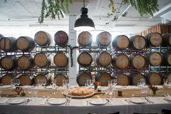 Gin and Fine Wine - Gin Distillery & Urban Winery Tour