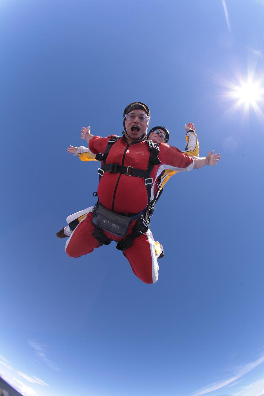 9,000ft Tandem Skydive with Pick up