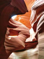 Lower Antelope Canyon & Horseshoe Bend Tour from Las Vegas