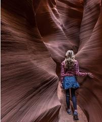 Secret Antelope Canyon with Private Horseshoe Bend Bus Tour